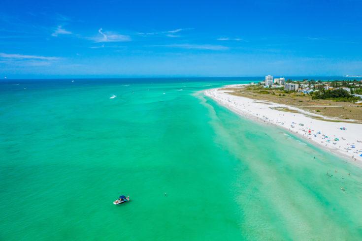 Siesta,Key,Beach,Sarasota,Florida,Beautiful,Sunny,Day,With,Bright
